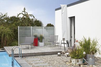 windfang und sichtschutz aus bedrucktem sicherheitsglas. Black Bedroom Furniture Sets. Home Design Ideas
